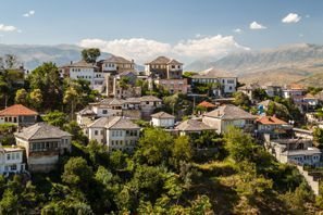 Leie bil Gjirokaster, Albania