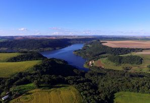 Leie bil Chapeco, Brazil