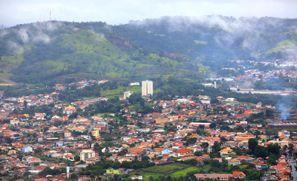 Leie bil Sao Roque, Brazil