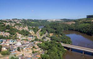 Leie bil Telemaco Borba, Brazil