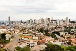 Leie bil Varginha, Brazil