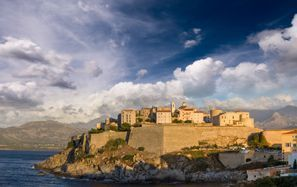 Leie bil Porto Vecchio, Frankrike - Korsika