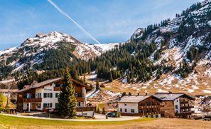 Leie bil Lech Am Arlberg, Østerrike
